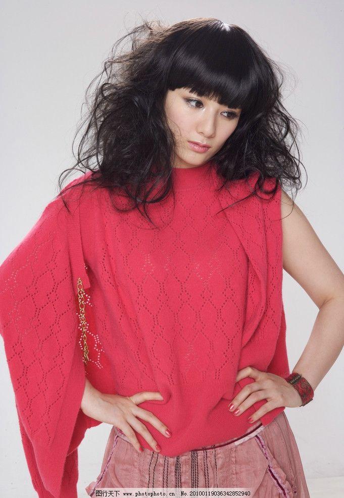 黄奕发型图 发型图片 明星偶象 美女 小燕子 还珠格格 演员 人物素材