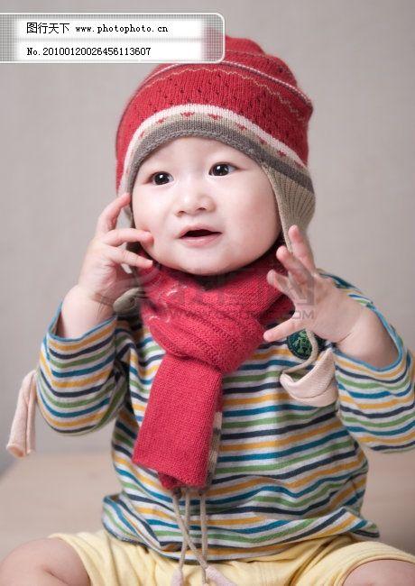 红帽子的小宝宝