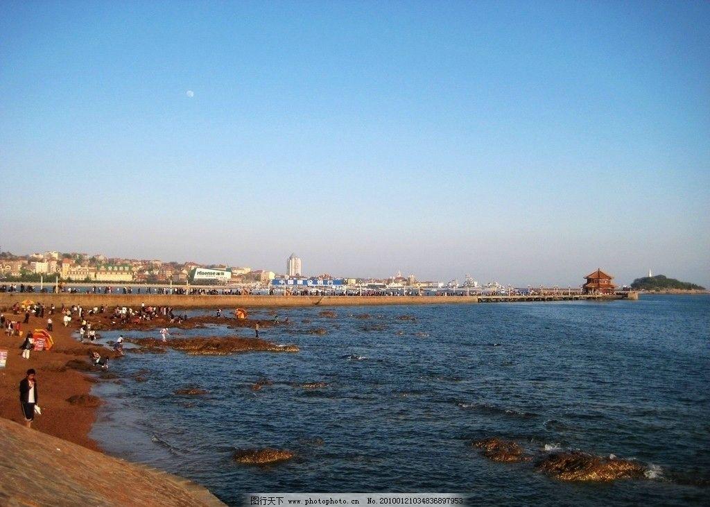 青岛栈桥夏日午后图片