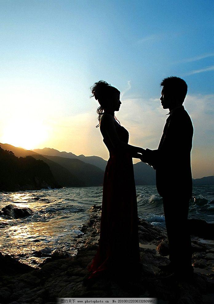海边情侣 摄影图库 人物图库 人物摄影 情侣 大海 海边 夕阳 晚霞