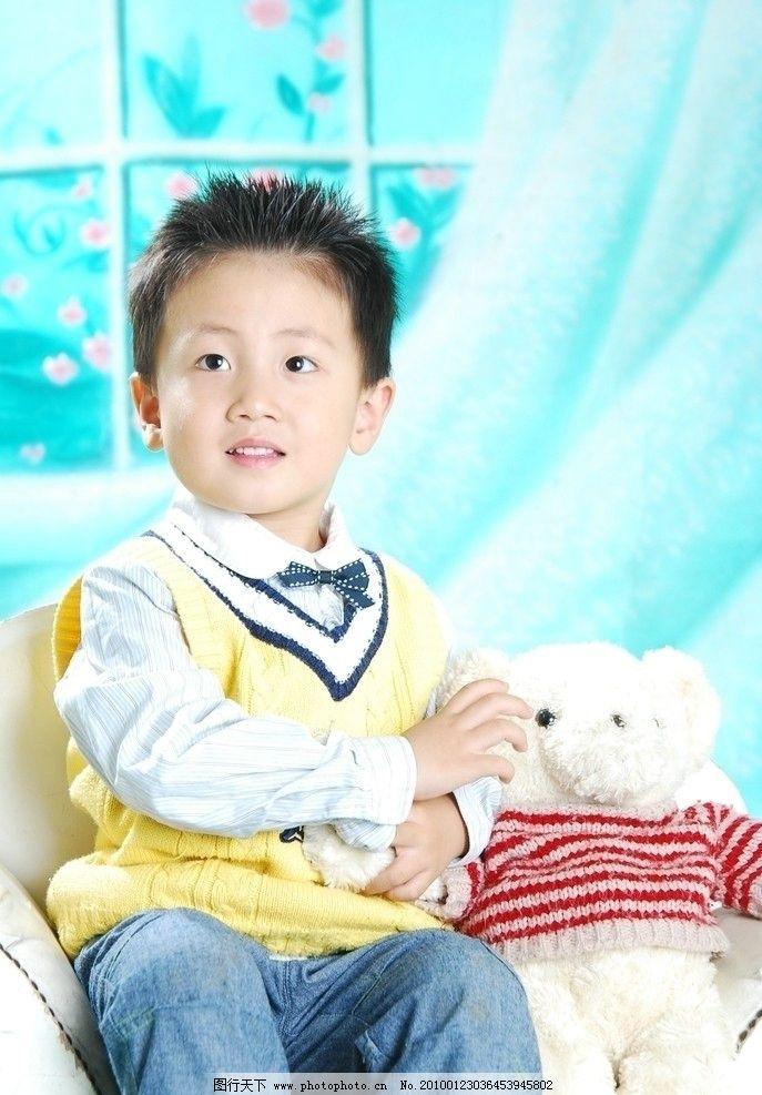 儿童幼儿 时尚宝贝 可爱宝贝 小男孩 毛毛熊 毛绒玩具 人物图库