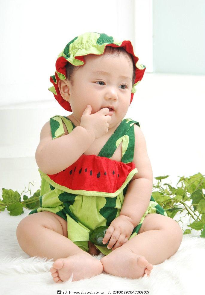 西瓜太郎 可爱宝宝照 儿童 宝宝 胖呼呼 啃手指头 西瓜服 小西瓜 微微
