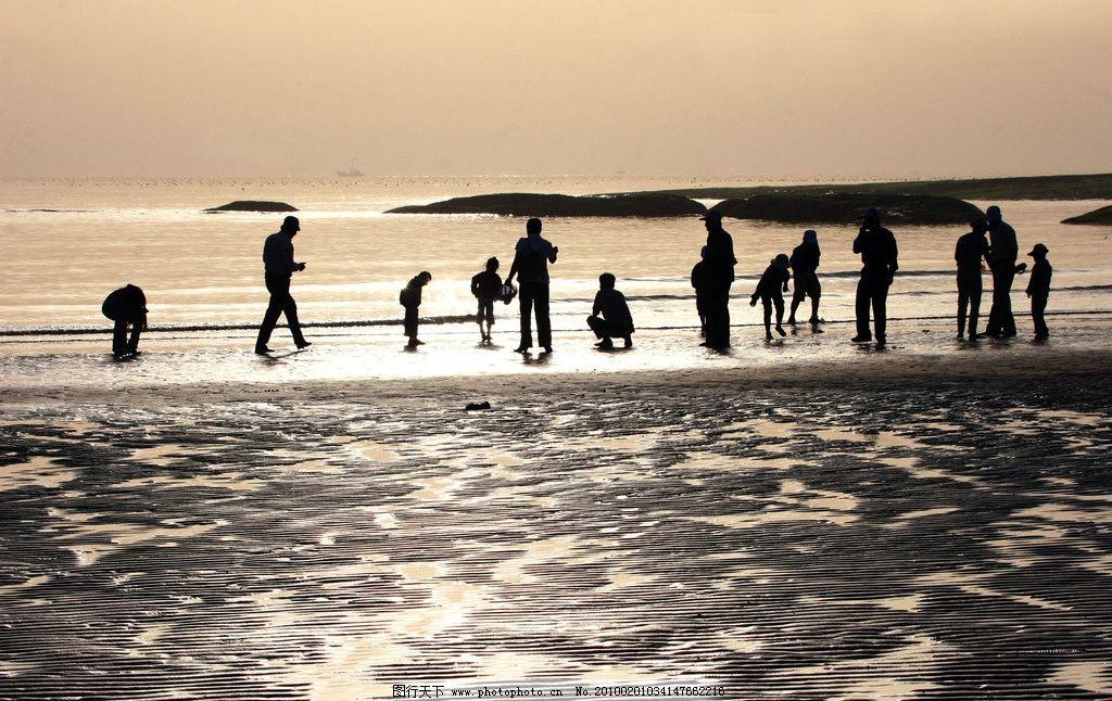 听潮 海边 海滩 夕阳 沙滩 人群 海水 自然风景 旅游摄影 摄影
