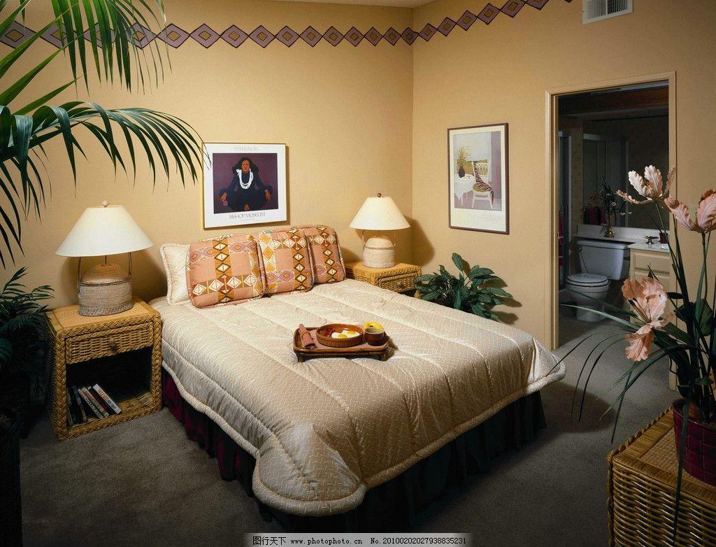 设计 室内装饰 卧室布置 内墙 天花 地板 床 被单 锦头 床头灯 桌子