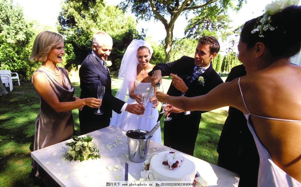 婚礼现场 新人 新郎 新娘 婚宴 香槟 外景 国外 人物摄影 摄影