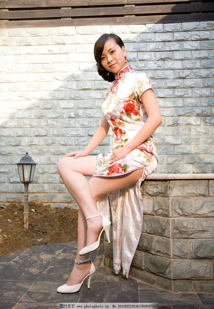 旗袍美女 旗袍 美女 性感 迷人 漂亮 可爱 丰满 高清 唯美 美观大方