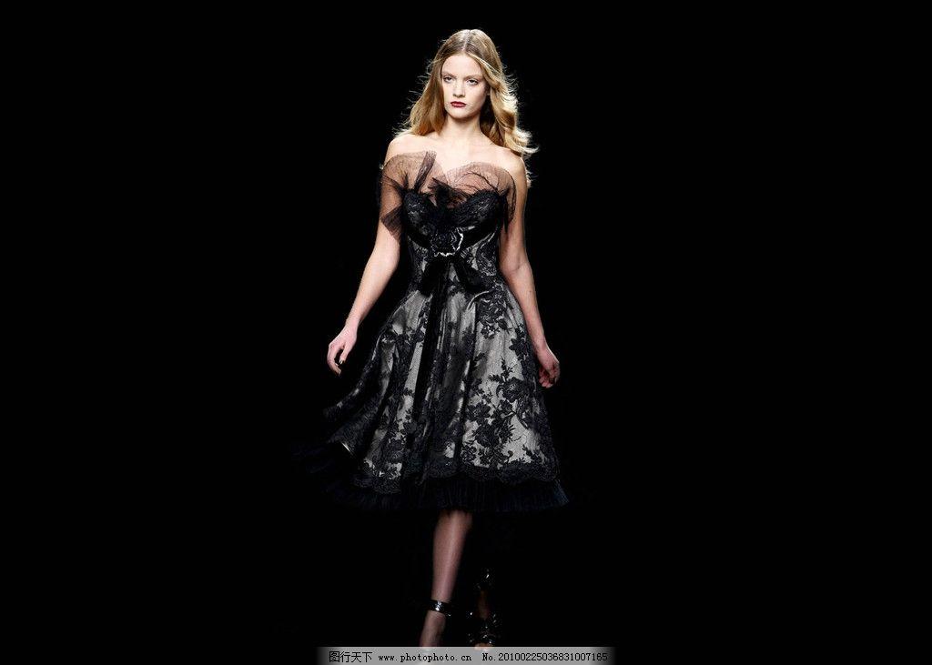 裙黑�_黑裙美女模特图片