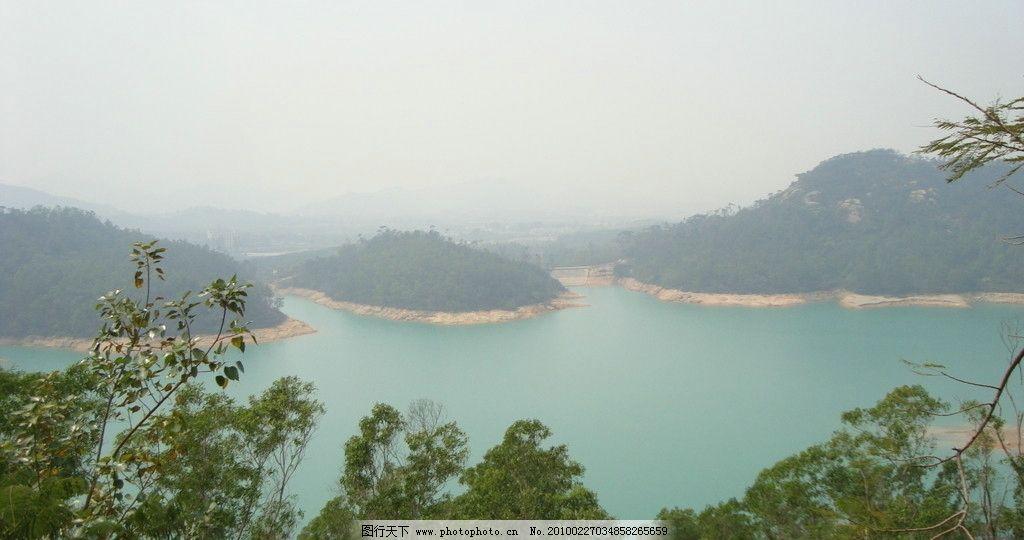 风景 水库 风光 水岸 蓝色 水绿 山水 水清水 远景 蓝天 广告素材