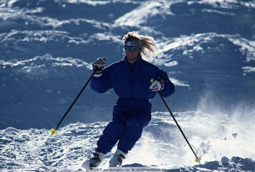冬日运动 滑雪 雪 底图 阴影 人 滑雪服 白色 滑雪场 滑雪设备 体育