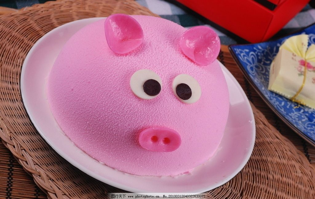 卡通猪蛋糕图片