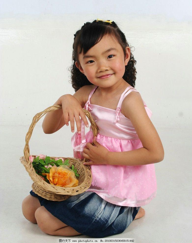 可爱小女孩图片_人物摄影