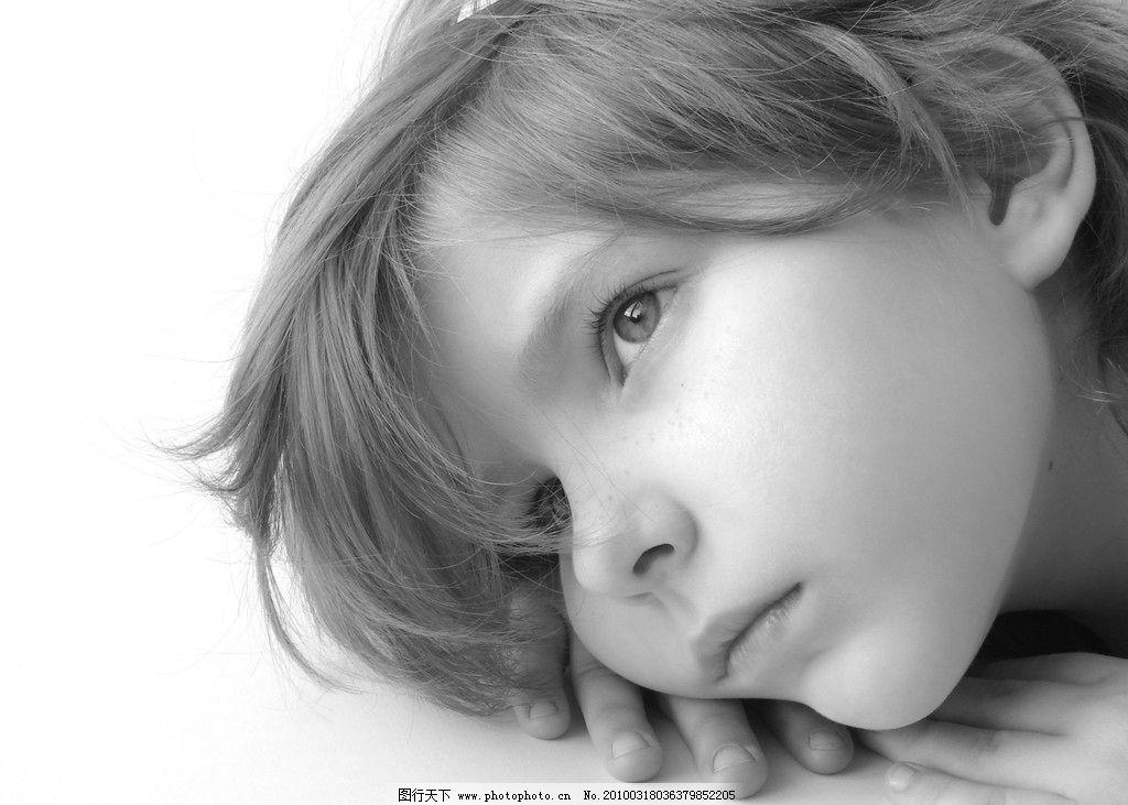 遐想中的小姑娘 女孩 童真 可爱 黑白 人像 摄影 天真 遐想 思考 儿童