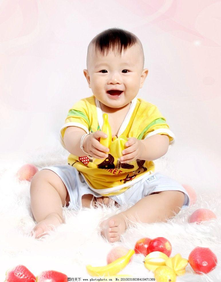 活泼 动作 姿势 玩耍 幼儿服饰 可爱 可人 娇小小 玲珑 调皮 宝宝