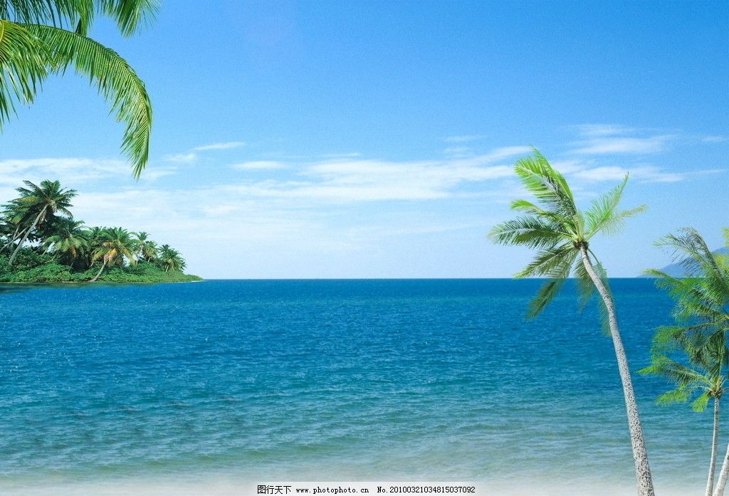 夏日蓝天海滩椰树 蓝天 度假 旅游 绿水海滩 绿水 背景 沙滩 海滩 秀丽 云彩 沿海 小海湾 自然 海洋 风景 海景 天空 夏天 阳光 排岸浪花 小岛 白云 椰子树 小船 海鸟 海欧 自然景观 自然风景 摄影图库 湛蓝海天椰树 摄影 350DPI JPG